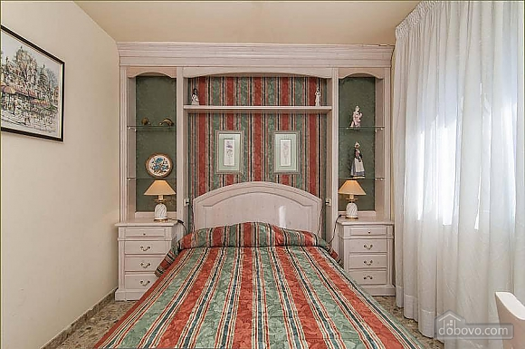 Carmen Abrera, Cinq chambres (72664), 048