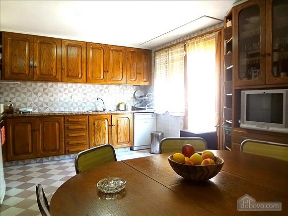 Teresa Sant Feliu, Cinq chambres (19148), 011