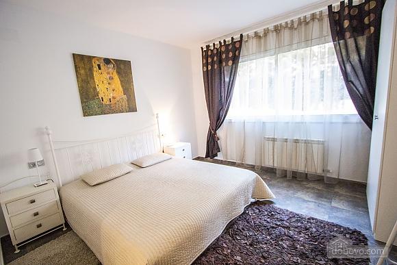 Vladimir Villa Tamarit, Quattro Camere (92361), 021
