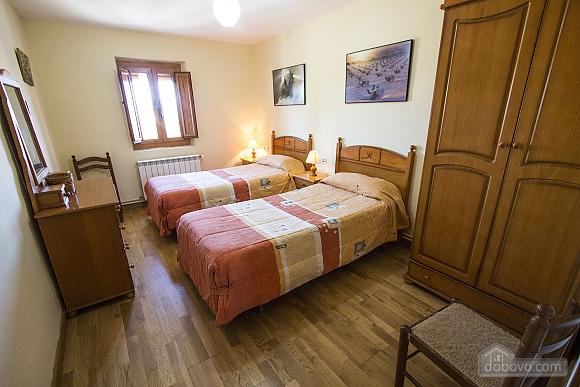 Josep Mas Prat, Four Bedroom (72400), 025