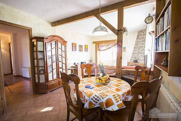 Nuria Montmell, Four Bedroom (29697), 009