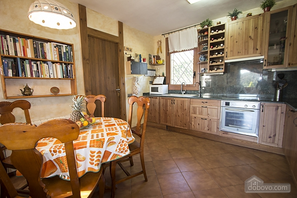 Nuria Montmell, Four Bedroom (29697), 010
