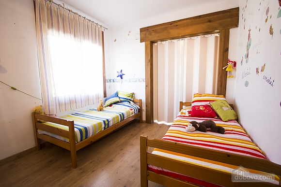 Nuria Montmell, Four Bedroom (29697), 012