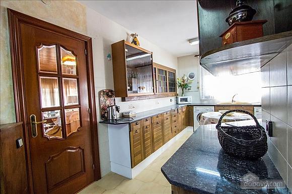Sigfredo Barbara, Five Bedroom (81392), 006