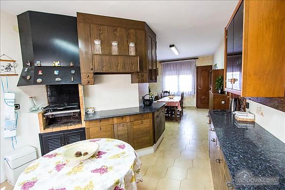 Sigfredo Barbara, Five Bedroom (81392), 007