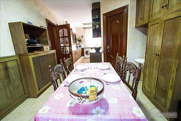 Sigfredo Barbara, Five Bedroom (81392), 011