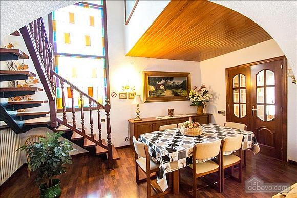 Sigfredo Barbara, Five Bedroom (81392), 012