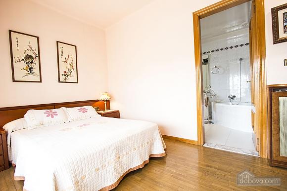 Sigfredo Barbara, Five Bedroom (81392), 022