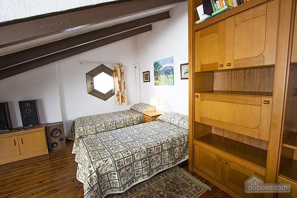Sigfredo Barbara, Five Bedroom (81392), 037