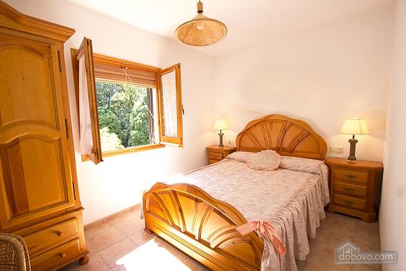 M Teresa Xerta, Six (+) Bedroom (96302), 019