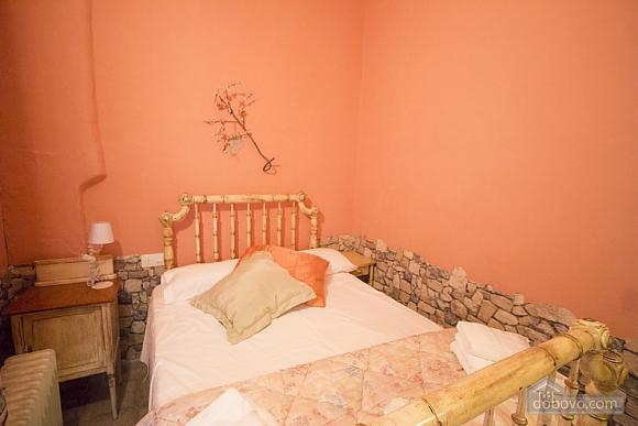 M Teresa Xerta, Six (+) Bedroom (96302), 021