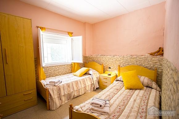 M Teresa Xerta, Six (+) Bedroom (96302), 022