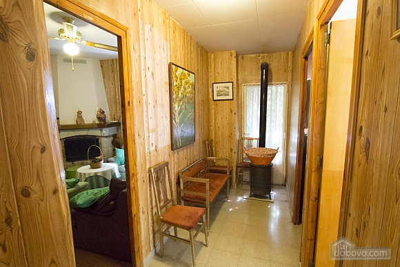 M Teresa Xerta, Six (+) Bedroom (96302), 034