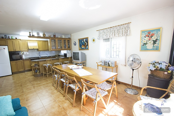 M Teresa Xerta, Six (+) Bedroom (96302), 036