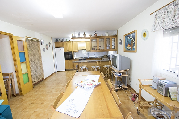 M Teresa Xerta, Six (+) Bedroom (96302), 041