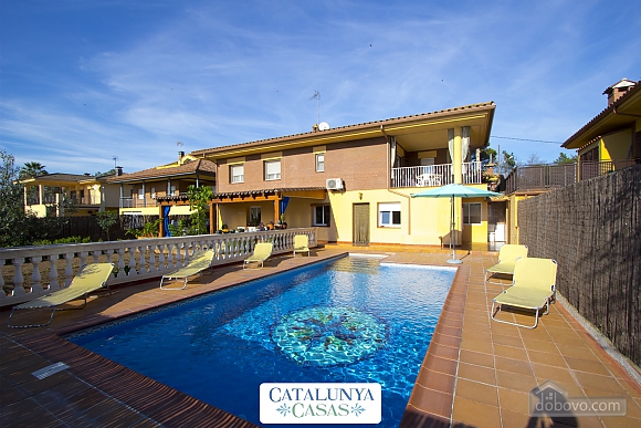 Juana Sils, Five Bedroom (92098), 001