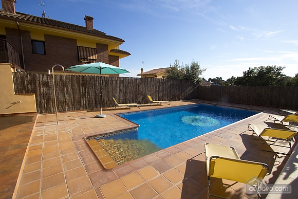 Juana Sils, Five Bedroom (92098), 005