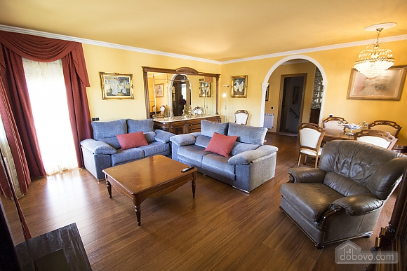 Juana Sils, Five Bedroom (92098), 013