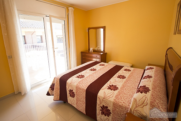 Juana Sils, Five Bedroom (92098), 023