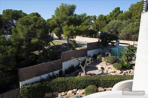 Lucia Tarragona, Cinq chambres (57027), 009