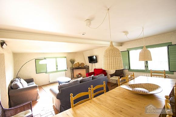 Nuria Pere Cal Belles, Six (+) chambres (36705), 010