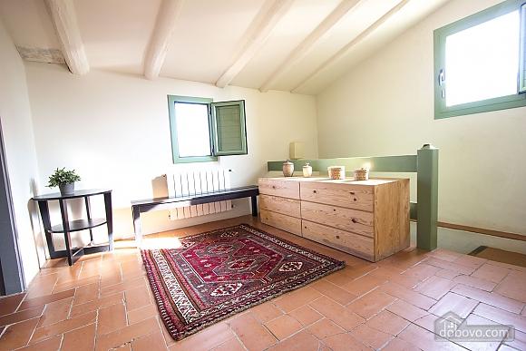 Nuria Pere Cal Belles, Six (+) chambres (36705), 018