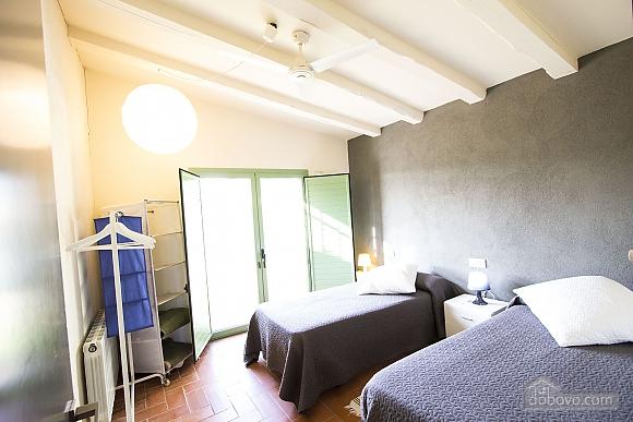 Nuria Pere Cal Belles, Six (+) chambres (36705), 020