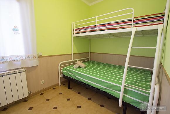 Miguel Angel Bellvei, Fünfzimmerwohnung (56291), 021