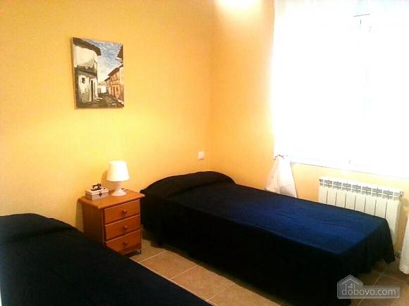 Jose Luis Castellet, Four Bedroom (74020), 016