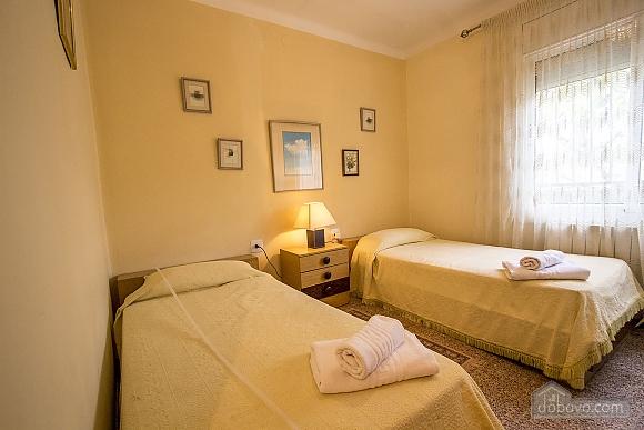 Jose Castellbell, Four Bedroom (13907), 021