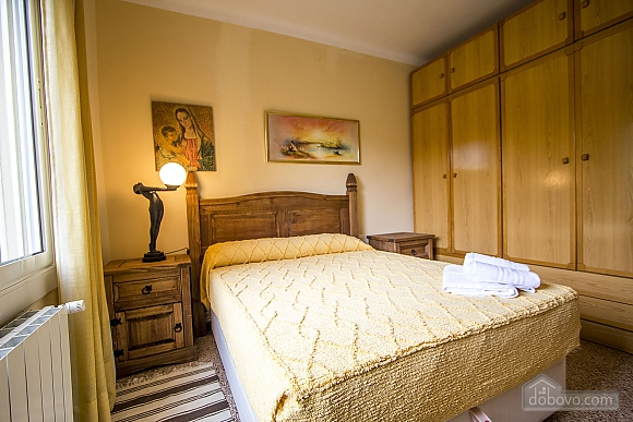 Jose Castellbell, Four Bedroom (13907), 025