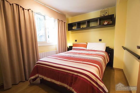 Esther Pineda, Five Bedroom (33901), 016