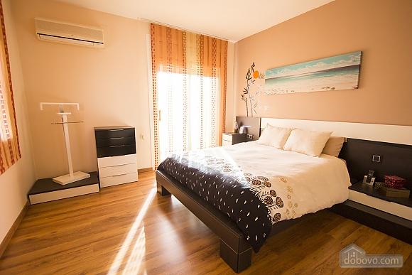 Esther Pineda, Five Bedroom (33901), 017