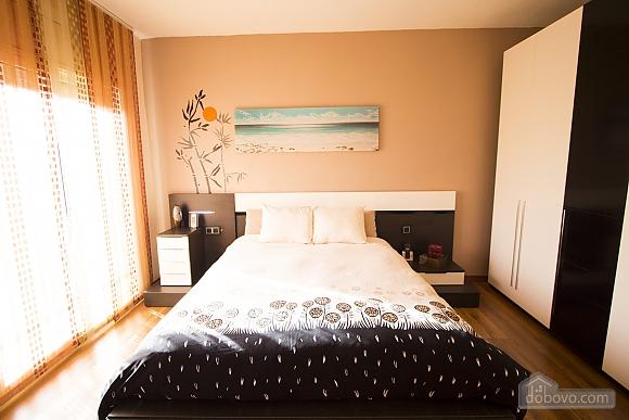 Esther Pineda, Five Bedroom (33901), 018