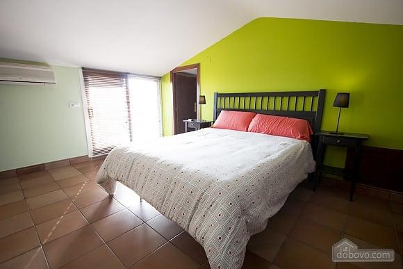 Esther Pineda, Five Bedroom (33901), 026