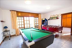 David Las Marinas, Six (+) Bedroom, 040