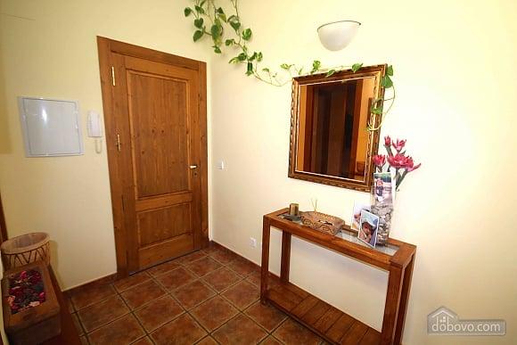 Cubells Home Base, Tre Camere (48907), 024