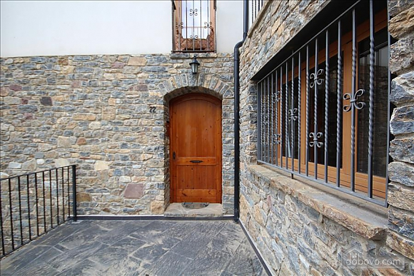 The Sort Experience Live the Pyrenees, Three Bedroom (64741), 021