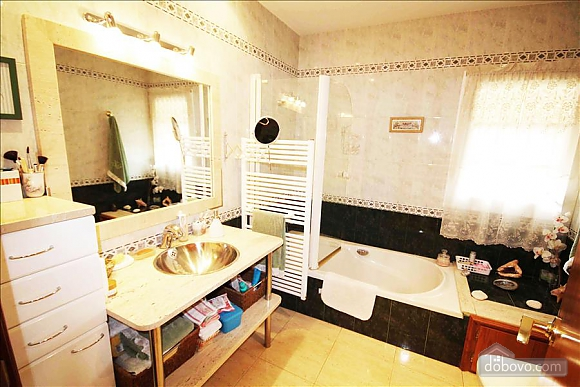 Montsec Home Base, 5-кімнатна (75139), 009
