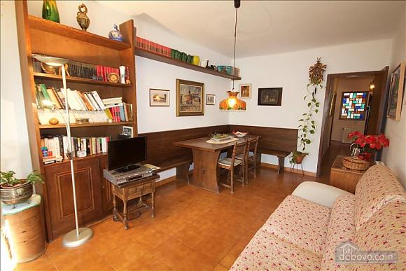 Sort Three Sided Walnut, Three Bedroom (72951), 001