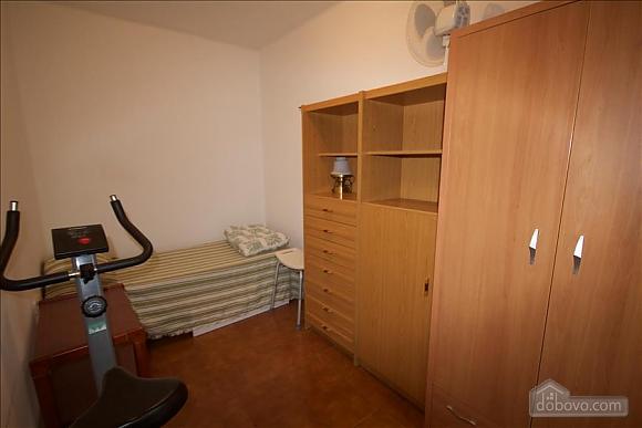 Sort Three Sided Walnut, Three Bedroom (72951), 034