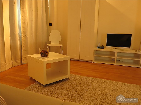 Lucia, One Bedroom (73639), 030