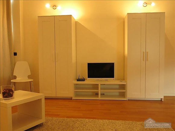Lucia, One Bedroom (73639), 031