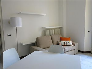 Cavour, One Bedroom, 002