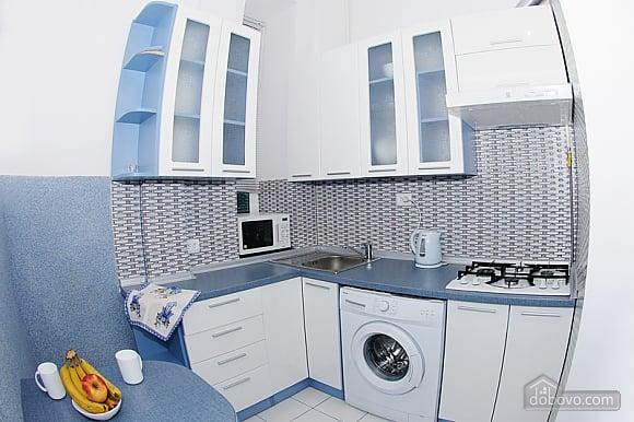 Квартира в центрі міста, 1-кімнатна (56934), 003