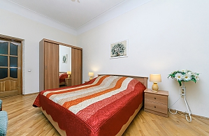 Excellent apartment in 5 minutes from the center, Two Bedroom, 002