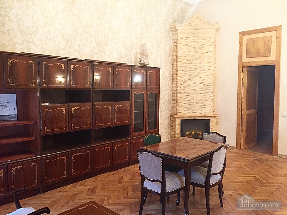 Spacious apartment in the heart of Odessa, One Bedroom (77578), 002