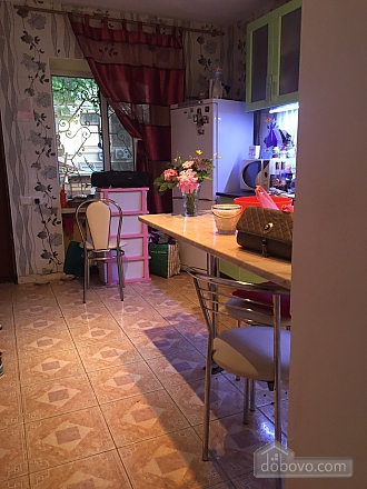 Cottage on two levels in the center of the city, Un chambre (30114), 002