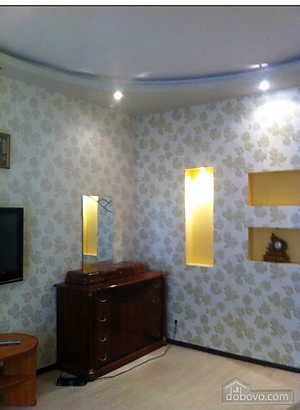 Cottage on two levels in the center of the city, One Bedroom, 004