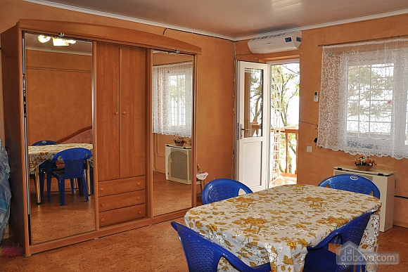 Cottage in Gribovka 50 meters from the sea, Studio (85371), 002